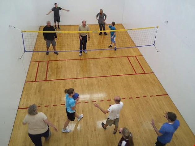 4 Reasons Why Rebound Volleyball (AKA Wallyball) is The Ultimate Winter Sport